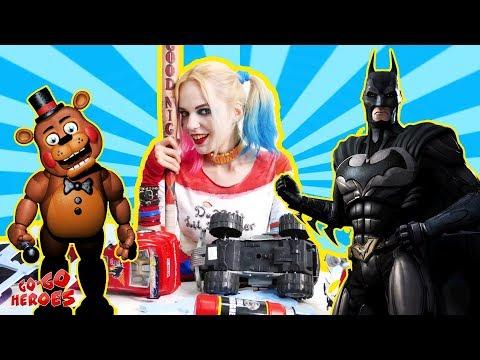 ХАРЛИ КВИН и ЧИКА из игры ПЯТЬ НОЧЕЙ С ФРЕДДИ решили напугать Бэтмена!