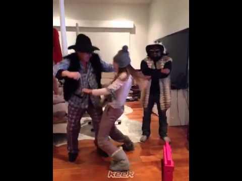 Belinda - Jajajaja En El Harlem Shake De Keek!! Hasta Mi Papa Participo!! Jajajaa