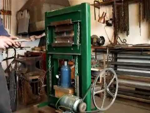HOMEMADE MOTORISED HYDRAULIC PRESS.AVI