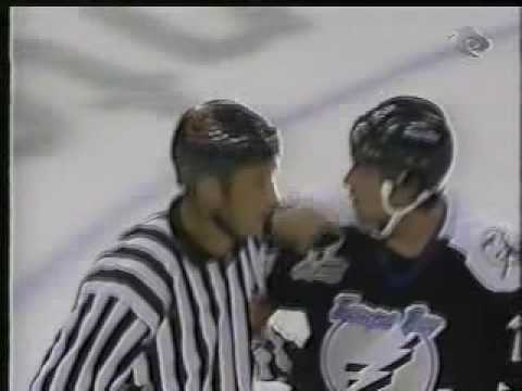 Darcy Tucker vs Ed Jovanovski