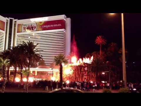 Las Vegas in 5 Mins with iPhone 4s using Filmic Pro  Video App