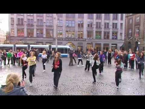 Flashmob Dance Op De Dam In Amsterdam 27-11-2011 video