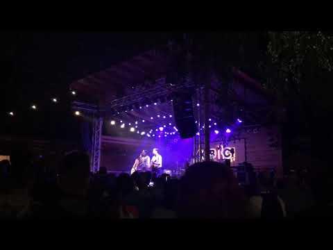 Ivan & The Parazol ft. Aurevoir - Néha Kevés, Néha Több @ Kobuci Kert 02/08/19