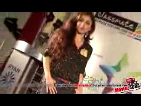Soha Ali Khan Gets Undressed in Beauty Salon   Leaked MMS