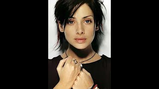 Watch Natalie Imbruglia All The Magic video