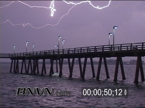 4/9/2006 Overnight Bayfront Lightning Thunderstorm Video from Sarasota, FL