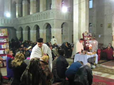 Slujba Sfantului Maslu la Biserica sf  Nectarie din Iasi