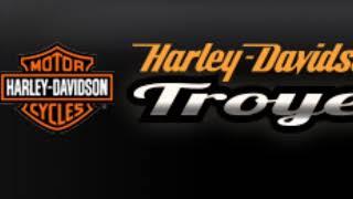 Salon De La Moto Avec Harley Davidson TRoyes Ainsi Que Le Chapter