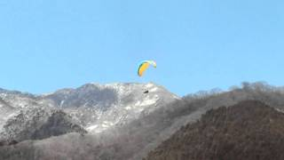 2011/03/10 Paragliding fall in turbulent