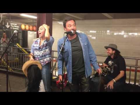 Download Miley Cyrus and Jimmy Fallon Surprise NYC Subway Performance 06/13/17 Mp4 baru