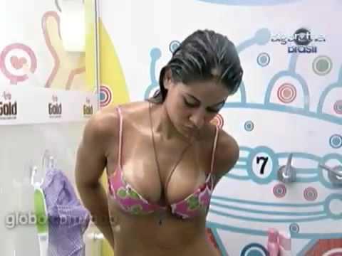 Bbb9 Maira toma banho