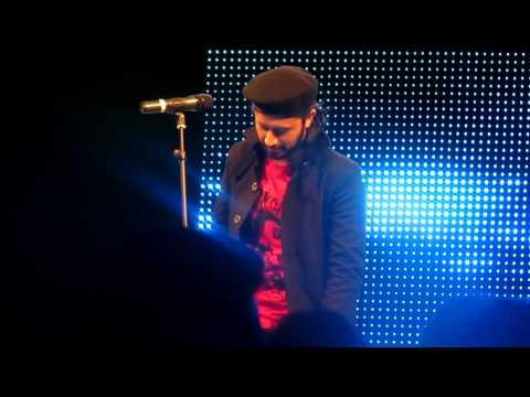 Atif Aslam Salam 2011 Dubai Concert-mera Piya Ghar Aaya. video