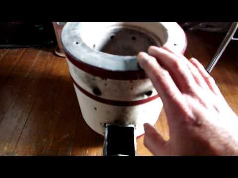廃油とマキを兼用する練炭コンロのロケットストーブ