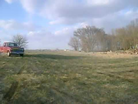 Joyriding a 1984 ford F250 6.9l TURBO DIESEL