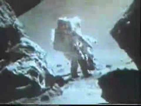 Re: ALIEN SPACESHIP ON THE MOON  flyover bef. landing  3