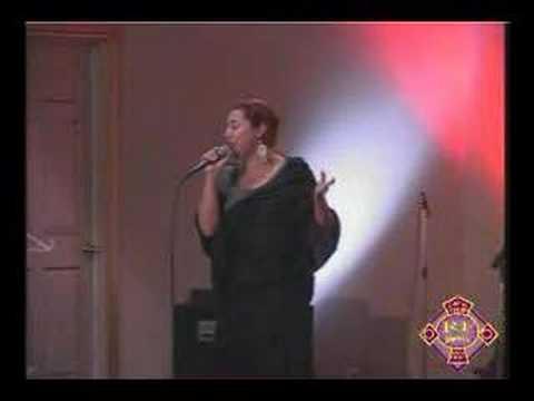 Te alabo Veronica Leal en el 12 Aniversario De Roca Firme
