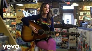 Kacey Musgraves Merry Go 39 Round Acoustic Performance Vevo Lift