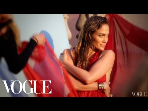 Behind the Scenes of Jennifer Lopez s Shape Issue Cover - Vogue Diaries