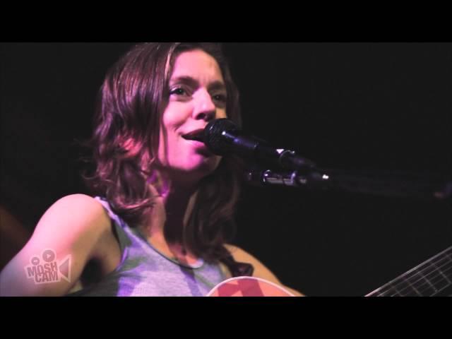 Ani DiFranco - Anticipate (Live in New York) | Moshcam