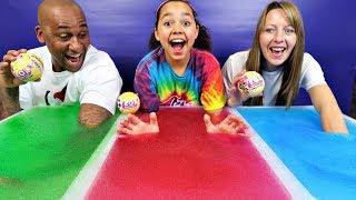 Gelli Baff Toy Challenge Game! LOL Surprise Dolls Confetti Pop | Toys AndMe