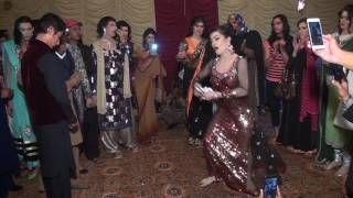 Pakistani Hot Mujra Sexy Dance Girls In Bed Room 2017