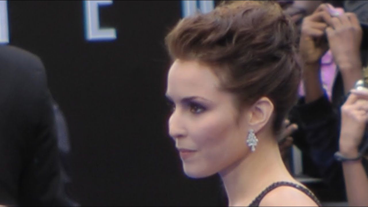 Prometheus World Premiere - Noomi Rapace, Michael Fassbender, Charlize Theron, Guy Pearce - YouTube