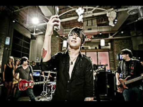 Lollipop Rock Remix version-framing Hanley video