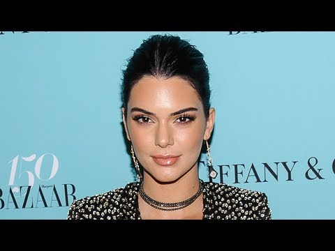 download lagu Kendall Jenner Accused Of Plastic Surgery & Photoshop On gratis