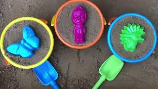 Играем с формочками для песка / Открываем Kinder сюрпризы Маша и медведь Барбоскины Супер семейка