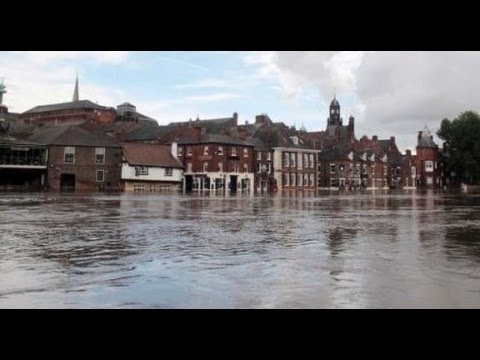 UK floods: Flooding crisis hits the Thames. February 2014/ Inundaciones en Inglaterra [IGEO.TV]
