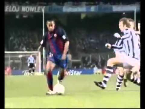 مهارات رونالدينهو مع برشلونه  Ronaldinho Skills With Barcelona