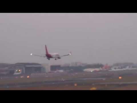 Spicejet Boeing 737 Landing at Mumbai Airport(CSIA)-Aviation Videos