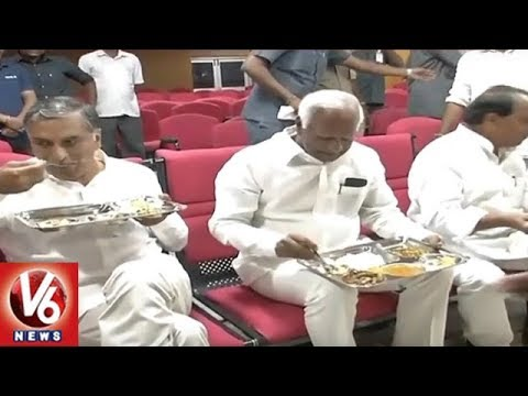 Telangana Ministers KTR, Etela And Harish Rao Tastes Govt Mid Day Meals For Students | V6 News