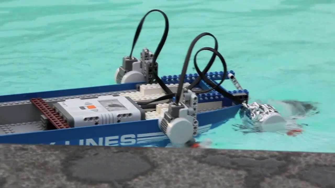 how to build a lego boat motor