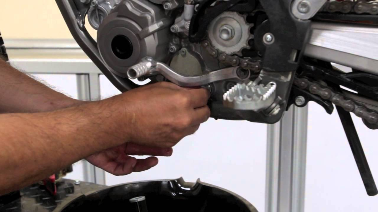 Dirt Rider Tech How To Change Oil On A Ktm 350sx F Youtube