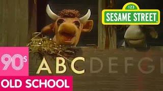 Sesame Street: Boogie Woogie Piggies Alphabet