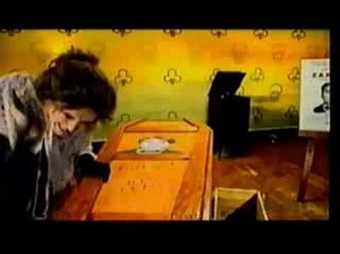 Frenzal Rhomb - Mum Changed The Locks