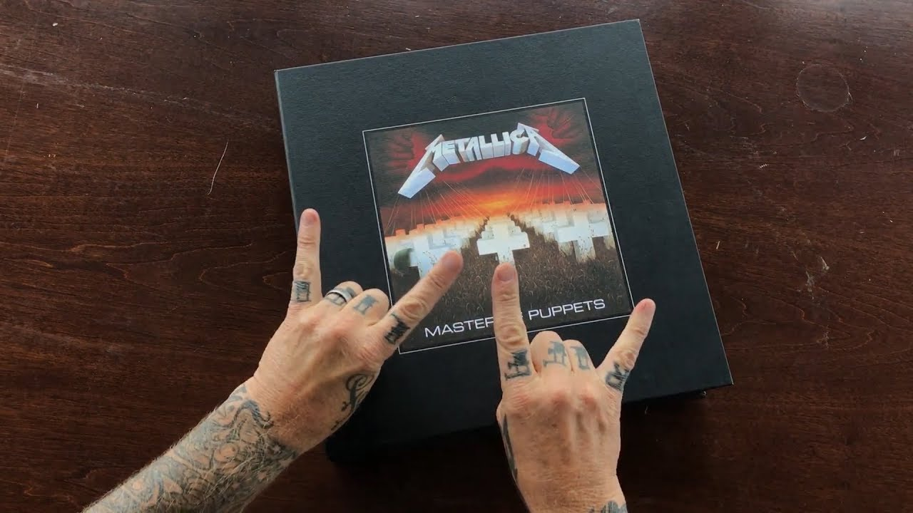 Metallica: Master of Puppets (Deluxe Box Set) Unboxing Video