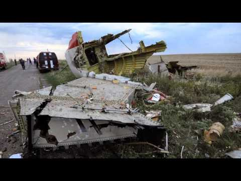 Missile shot down Malaysian Airlines MH 17 Boeing 777 Crash near Russia