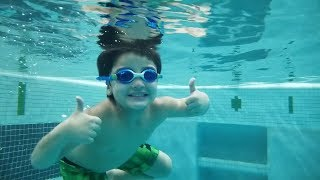 How to Dive - DAD Teaches Diving || How Far can you Swim Underwater? Kids swimming lessons