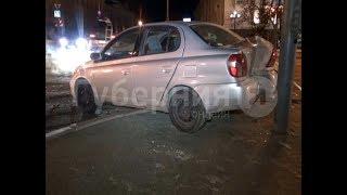 Клиент фирмы такси пострадал в аварии в центре Хабаровска. MestoproTV