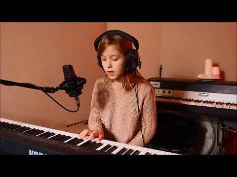 Łucja Urbańska (lat 9), Wieczna Zabawa, Piosenka