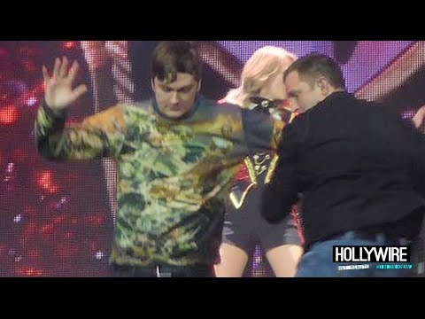 Taylor Swift Attacked On Stage By Obsessed Fan!