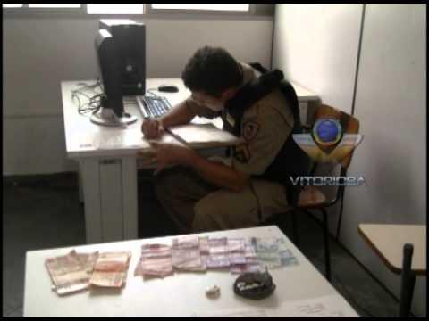 Homem é preso com crack, maconha e dinheiro, no Laranjeiras