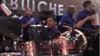 Banda Real y Alex Bueno Chiche Bello 2013