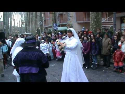 """La ZEZA di Mercogliano del carnevale 2012 alla sua prima uscita """"ristretta"""" causa neve del 19 febbraio 2012."""