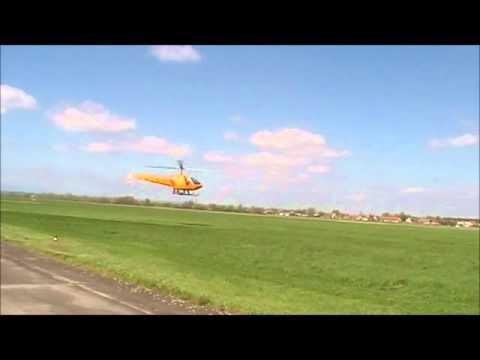 Helikoptéra - Vrtulník - Helicopter. Start, startování nízký průlet vrtulníku. Helikoptéry