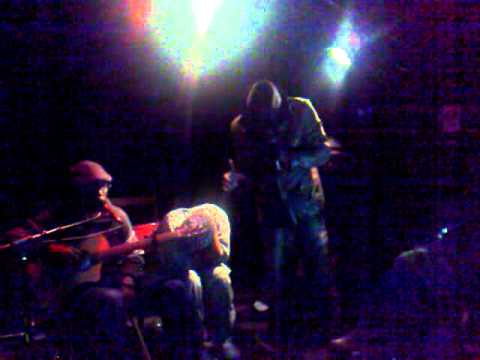 Kuku et Sadrak (groupe Nergrissim)  (8)  soirée impovisée par Ajahlove you ( 21/12/2010 )