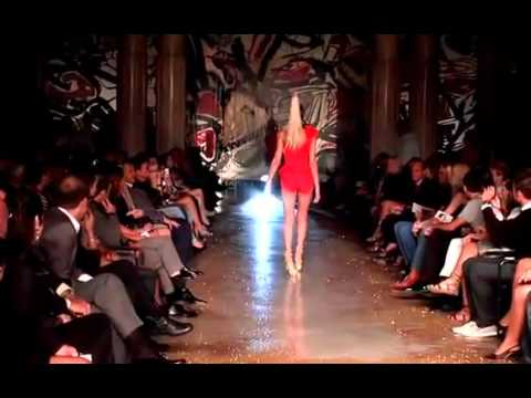 Fashion Show Fail Heels high heels fail lol