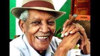 Watch Compay Segundo Chan Chan video